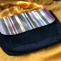 خرید کیف دوشی مدل پونه پاپوک کد ۱۱۱۲۶ در فروشگاه اینترنتی پوشاکچی-مشاهده قیمت و مشخصات