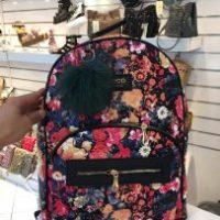 خريد کوله دخترانه طرح گل دار در فروشگاه اينترنتي پوشاکچي - مشاهده قيمت و مشخصات