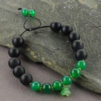 خرید دستبند سنگ عقیق سبز و عقیق سیاه در فروشگاه اینترنتی پوشاکچی-مشاهده قیمت و مشخصات