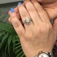 خرید انگشتر نقره زنانه با سنگ اوپال در فروشگاه اینترنتی پوشاکچی-مشاهده قیمت و مشخصات