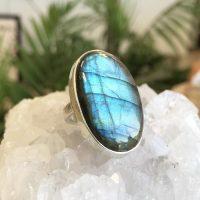خرید انگشتر نقره زنانه با سنگ لابرادوریت در فروشگاه اینترنتی پوشاکچی-مشاهده قیمت و مشخصات