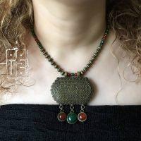 خريد گردنبند برنز و سنگ عتیق زنانه کد 99-10 در فروشگاه اينترنتي پوشاکچي - مشاهده قيمت و مشخصات
