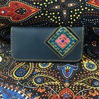 خريد کیف پول دست دوز زنانه در فروشگاه اينترنتي پوشاکچي - مشاهده قيمت و مشخصات