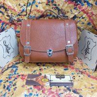 خريد کیف زنانه چرم گاوی کد 16491 در فروشگاه اينترنتي پوشاکچي - مشاهده قيمت و مشخصات
