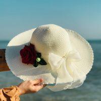 خريد کلاه ساحلی کنفی طرح گل رز در فروشگاه اينترنتي پوشاکچي - مشاهده قيمت و مشخصات