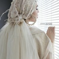 خريد کلاه حجاب گیپور مروارید دوزی شده در فروشگاه اينترنتي پوشاکچي - مشاهده قيمت و مشخصات