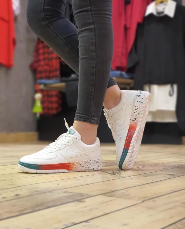 خرید کتونی نایک مدل زیر رنگی در فروشگاه اینترنتی پوشاکچی- مشاهده قیمت و مشخصات